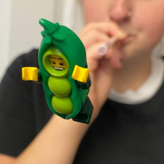 Pea shooter .. worldinbricks (insta)